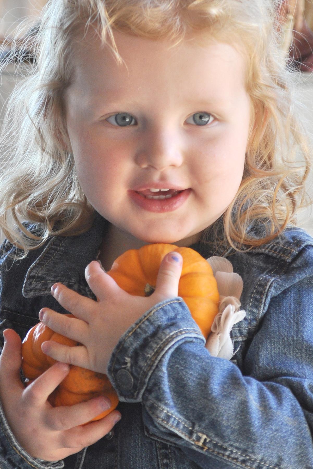 2014-09-26_evelynn-pumpkin-C