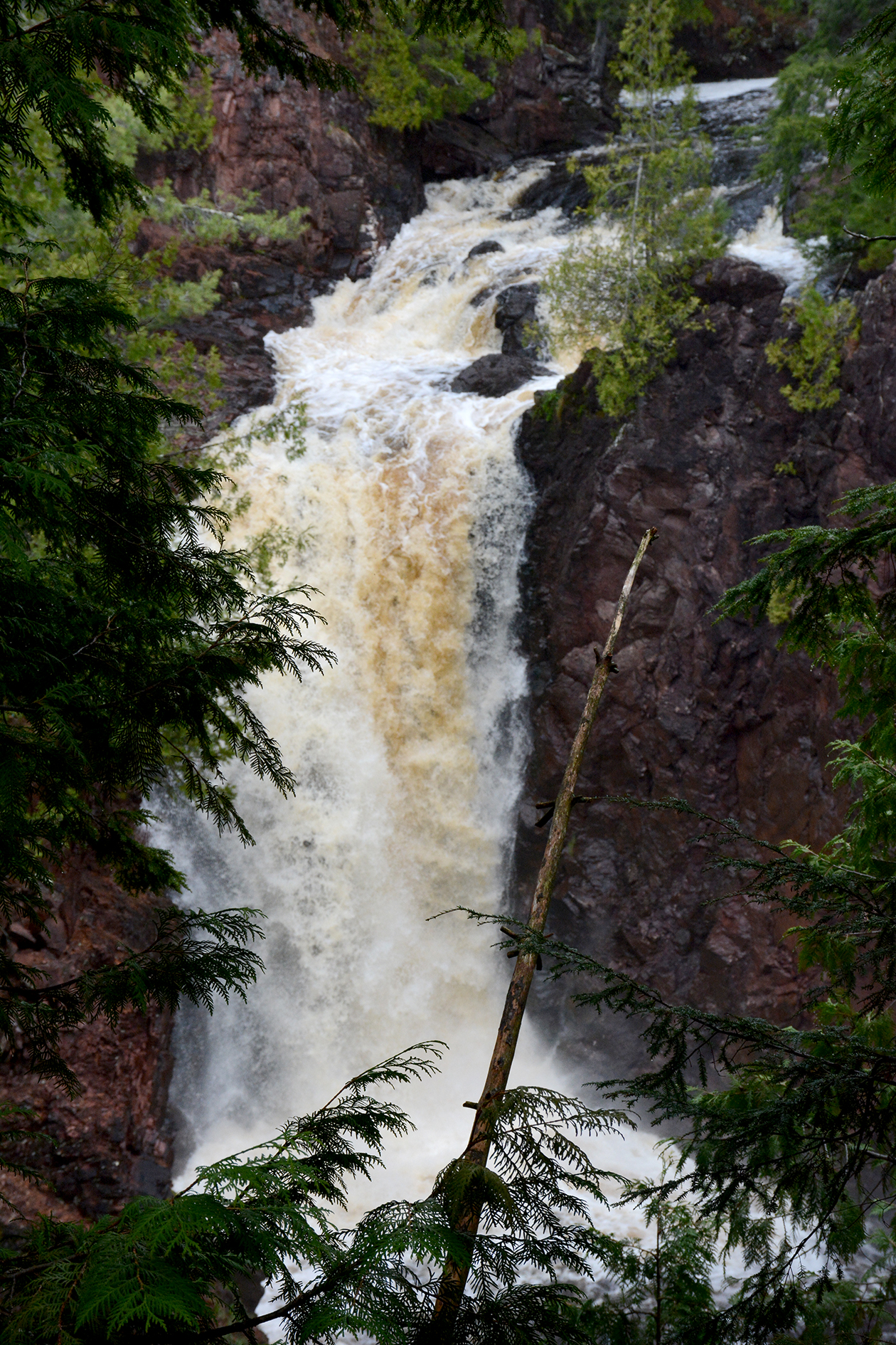 2015-05-15_copperfalls_water